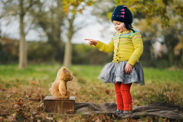 Qualified with the Guild of Photographers! Helen Rowan Photography photoshoot outdoors family autumn portrait chesterfield