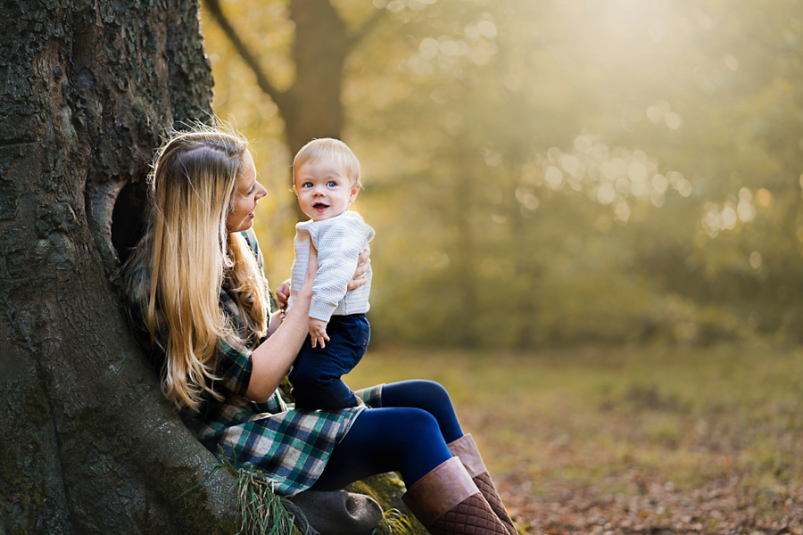 Qualified with the Guild of Photographers! Helen Rowan Photography photoshoot outdoors family natural light chesterfield