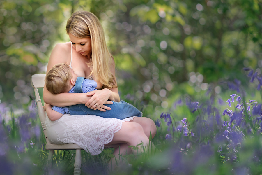 Helen Rowan Photography Chesterfield Family Photographer Outdoors Baby Bluebells Breastfeeding