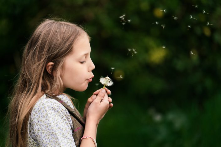 Helen Rowan Photography Chesterfield Family Photographer Outdoors Spring Girl Dandilion