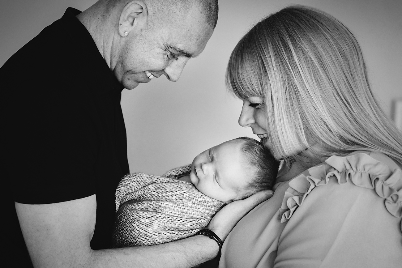 Helen Rowan Photography Newborn Home Black and White - 10